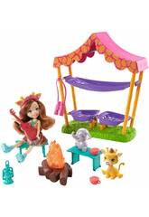 Enchantimals Muñeca con Set de Acampada Mattel GTM33